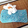 Couverture de naissance bicolore au tricot