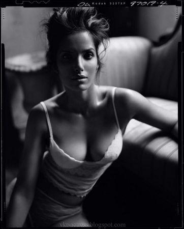 Padma_lakshmi_4_vkr_actress