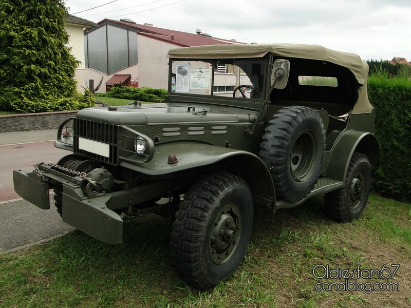 dodge-wc57-command-car-1942-1