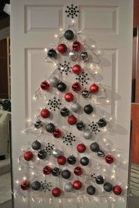 wall-christmas-tree-ideas-13