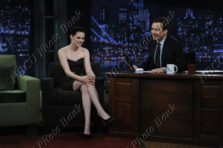 Kristen_Stewart__Jimmy_Fallon_Appearance__November_18th_2009_5