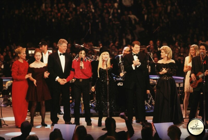 michael-performs-at-president-bill-clintons-inaugural-celebration(72)-m-4