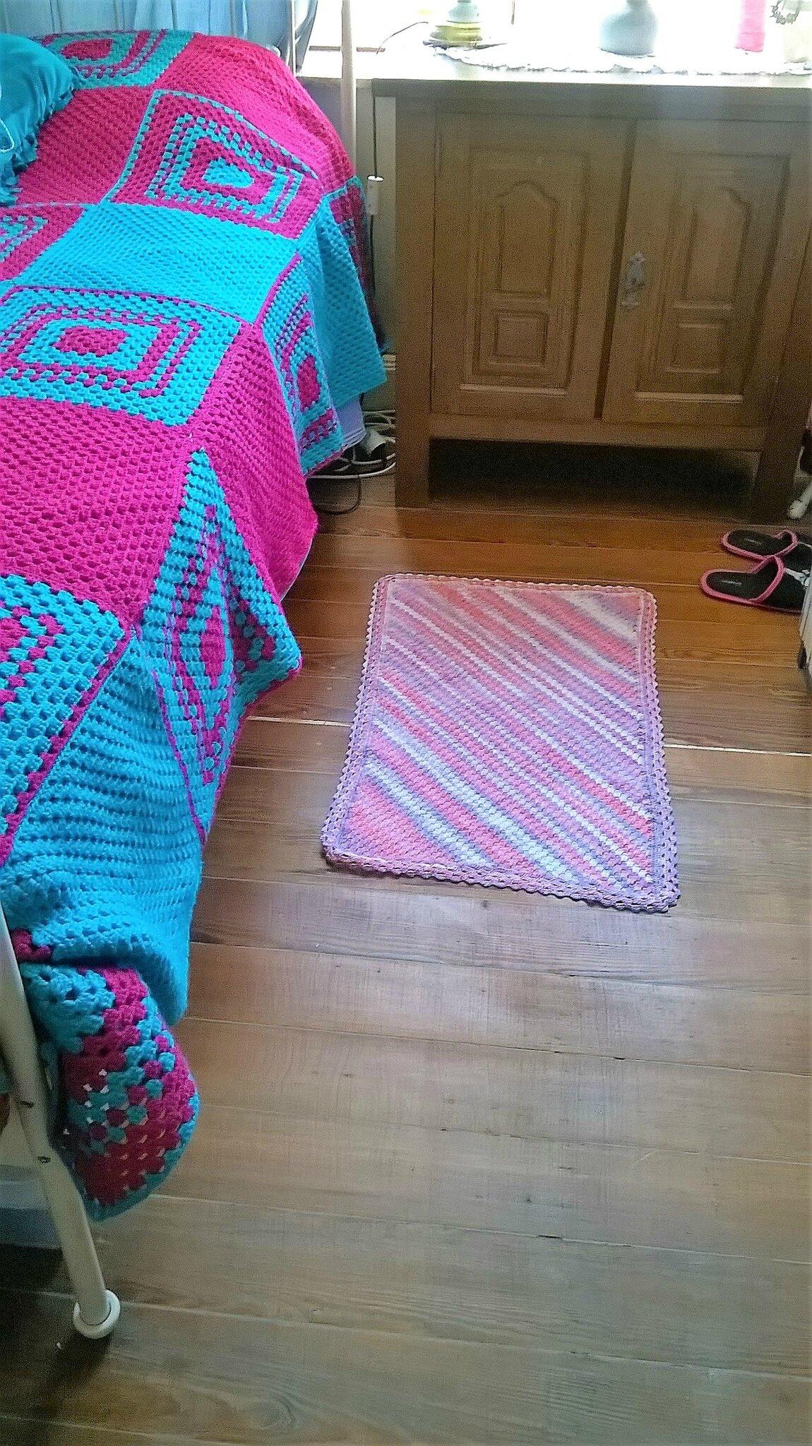 Découverte du c2c : petit tapis au crochet