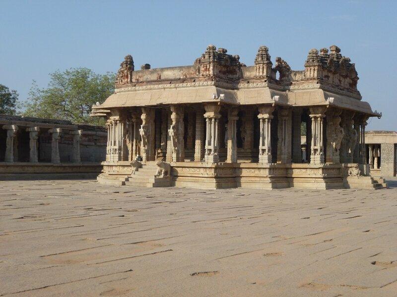 Intérieur du Vitthala Temple