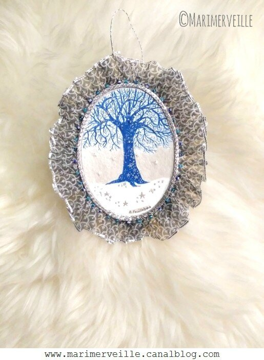 Médaillon arbre magique bleu - conte d'hiver- marimerveille