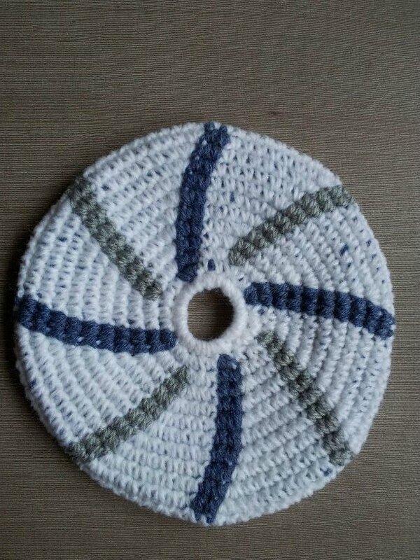 frisbee tourbillon bleu foncé et gris