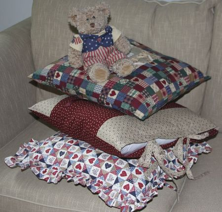 AMERICAN PILLOWS (3)