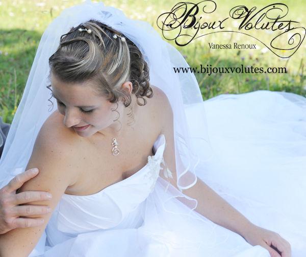 Voile de mariée court, voilé bordé de biais de satin