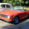 Triumph TR6 convertible (1969-1976)(Retrorencard octobre 2010) 01