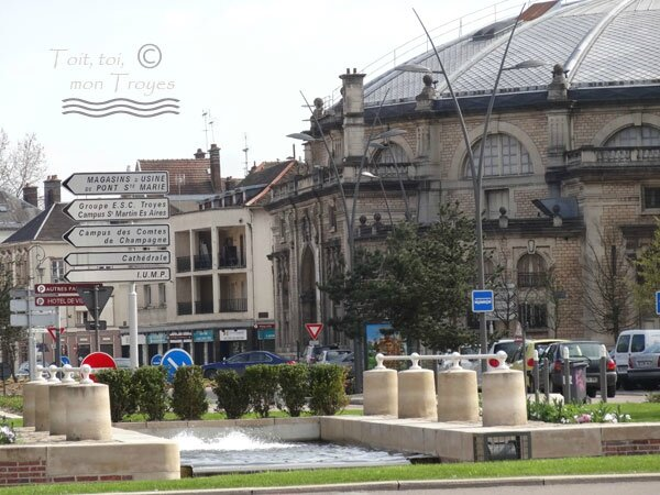 Theatre-de-Champagne_rond-point-TROYES-2015