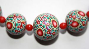 boules_green_red_flower_detail