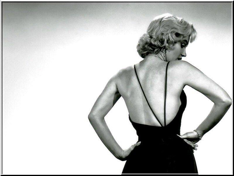 Marilyn-marilyn-monroe-8636528-800-600
