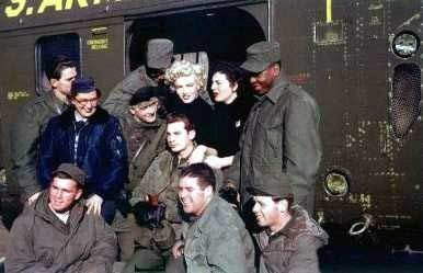 1954-02-18-korea-2nd_division-helico-with_jean_GIs-010-3
