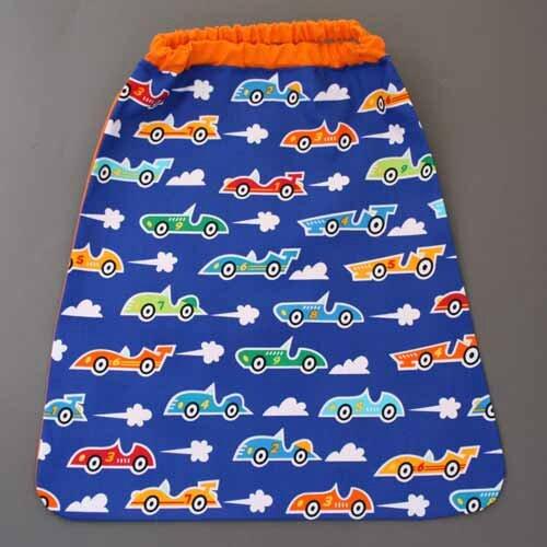 Nouvelle serviette de table cou élastiqué Lilooka pour enfants : En voiture !