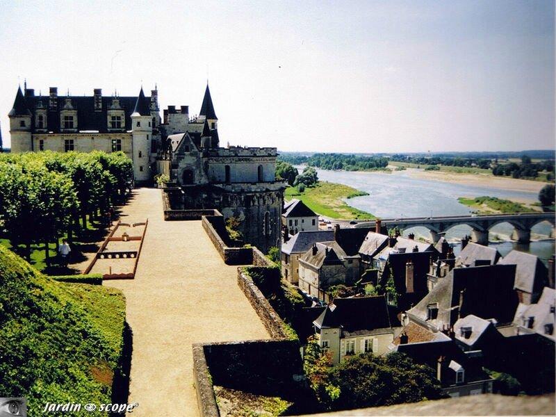 Vue sur la Loire depuis le Château d'Amboise