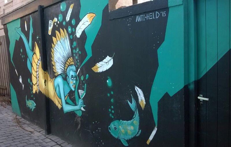 une-indienne-à-la-mer-street-art-Breda