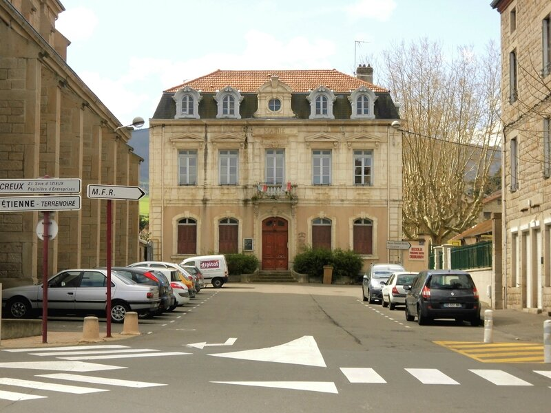 Izieux ancienne mairie 2014