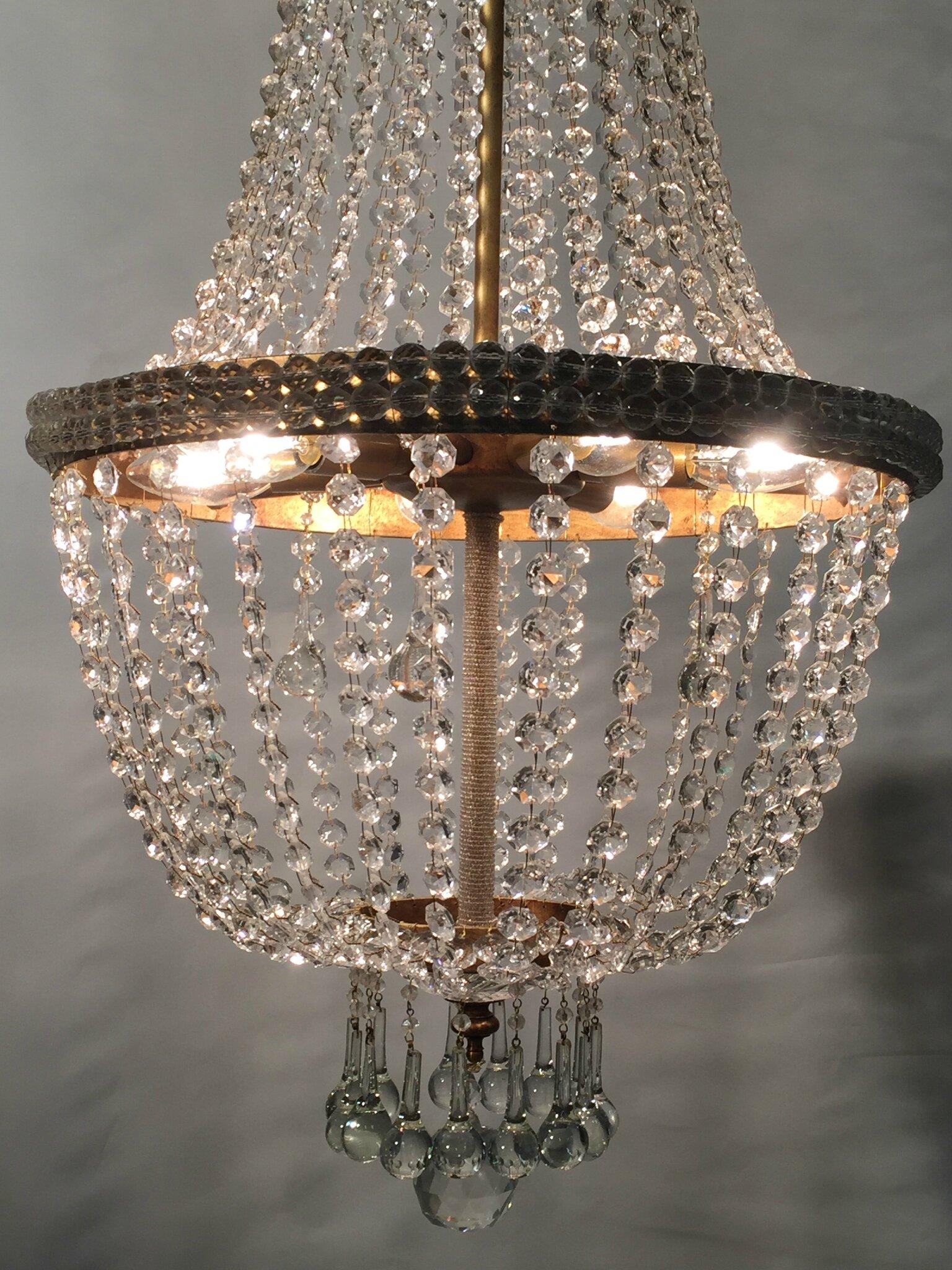 lustre empire artisanal forme de montgolfi re cristal cr ation artisanale de luminaires de. Black Bedroom Furniture Sets. Home Design Ideas