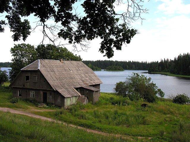 Maison typique des campagnes lituaniennes