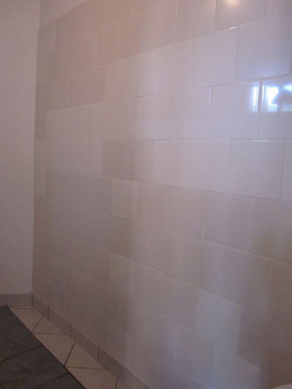 une fa ence de salle de bain prix riquiqui la f e marraine. Black Bedroom Furniture Sets. Home Design Ideas