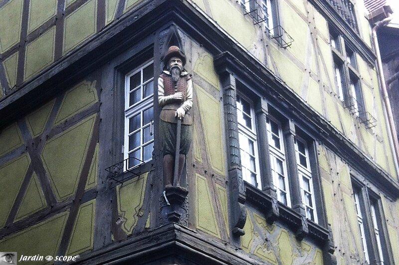 Personnage-sculpté-Colmar