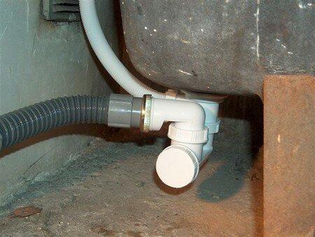Plomberie changement de l 39 vacuation de la baignoire du c t de chez - Evacuation eau baignoire ...