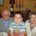 Jordan avec Papy et Mamy BASSET