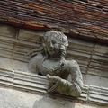 notre dame sculpture sous toit a