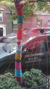 yarn bombing araignéepg