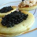 Blinis de caviar et chair de tourteaux