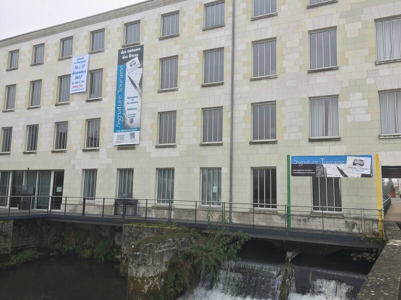 Moulin et banderole