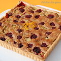 Tarte noisettine ( ou amandine ) rhubarbe-framboises et son coulis d'orange