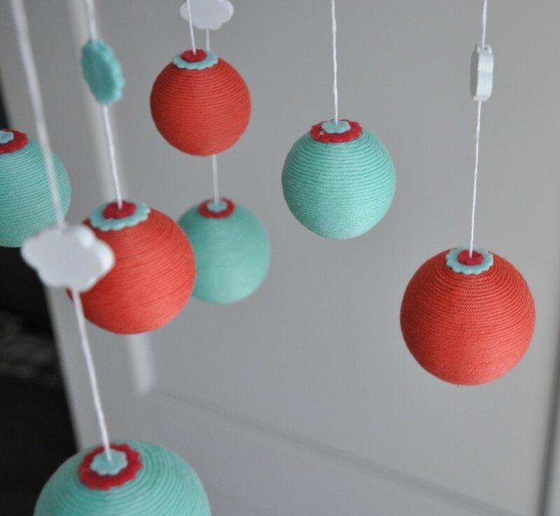 Mobile cirque boule coton orange vert 2