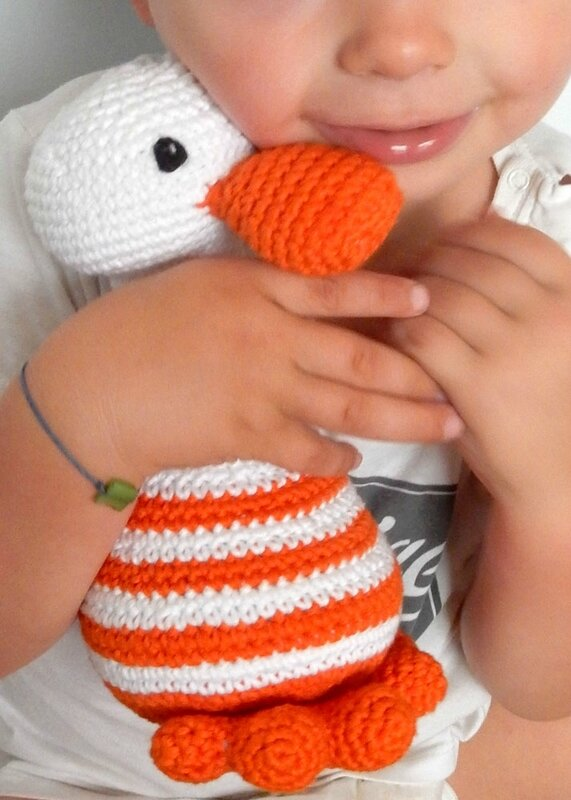 Darling Little Duck - Anisbee- Little Box of Crochet