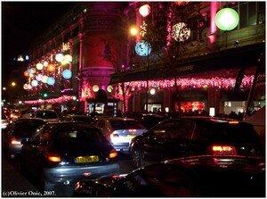 Un_soir__Boulevard_Haussman__Paris__d_cembre_2006_