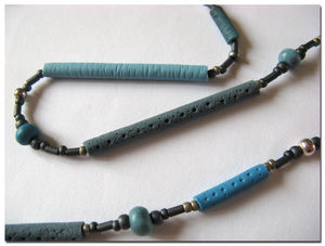Collier_Long_Bleu_250411_detail