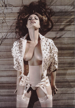 59845_Eva_Mendes___Vogue_Italia_May_2008_4109_123_626lo
