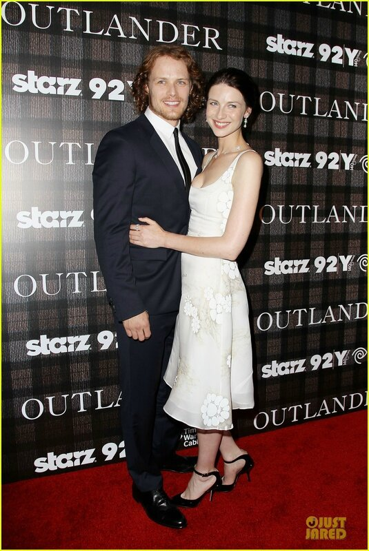 sam-heughan-caitriona-balfe-picture-perfect-at-outlander-screening-1