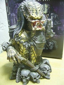 Predator2_Elder_mini_bust1