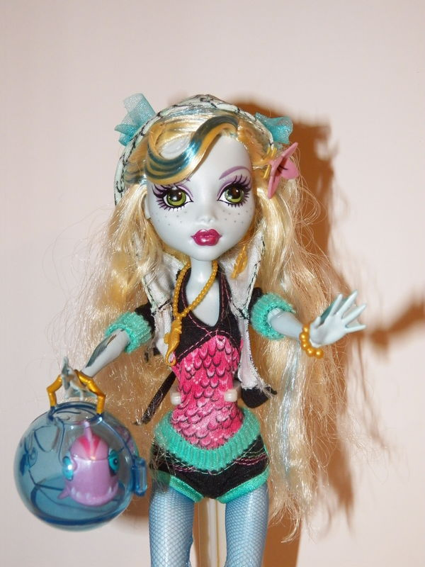 Monster high: Laguna blue de près