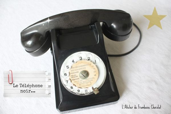 Vieux telephone retro