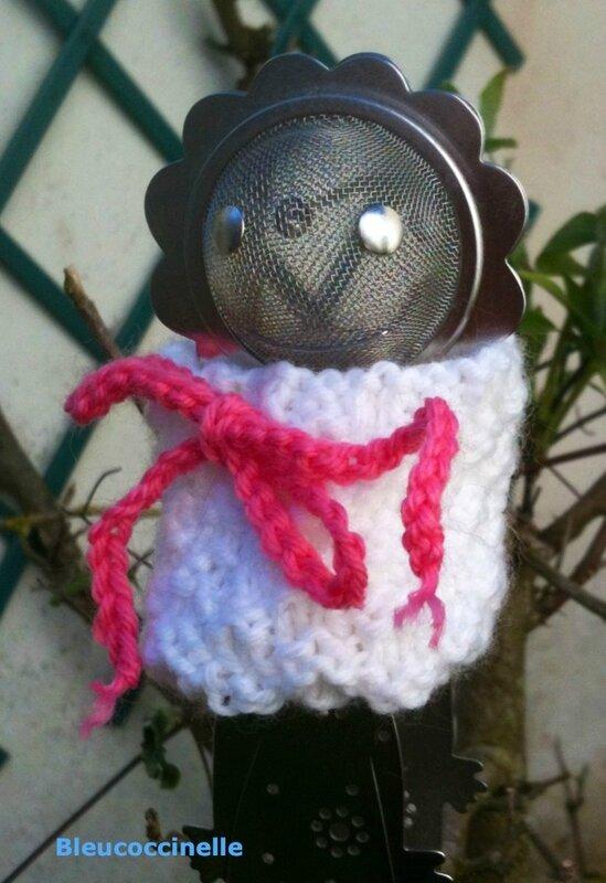 bonnet blanc damier 5
