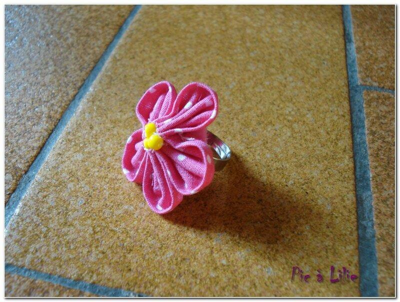 Bague fleur kansashi