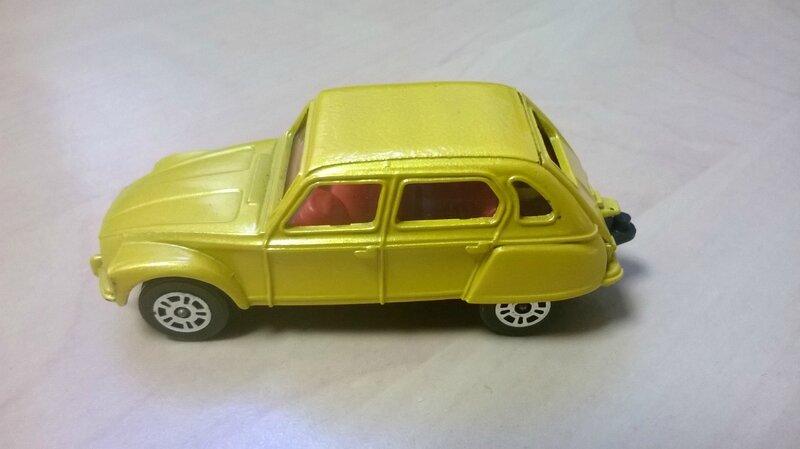 89_Citroën Dyane_01
