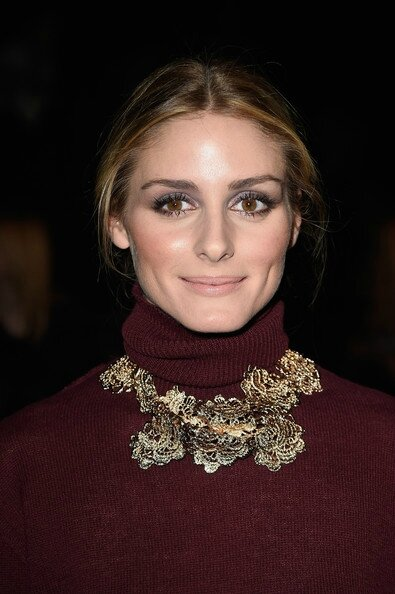 Olivia-Palermo-Statement-Necklace-Flower