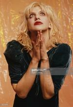 courtney_love-1993-by_kevin_cummins-2-3