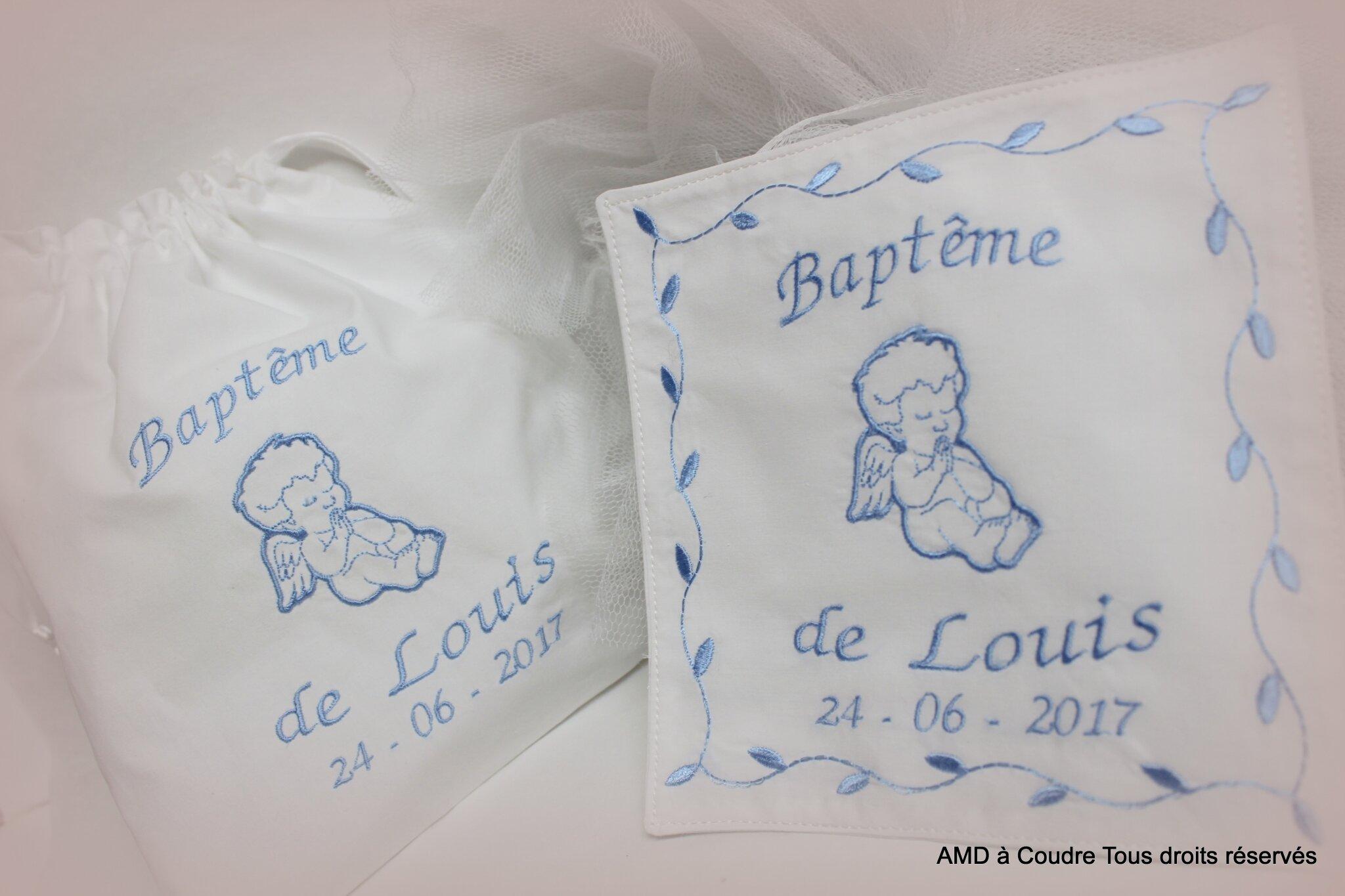Echarpe de bapteme - à broder, site : www.amdacoudre.com