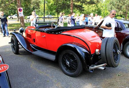 Bugatti_type_40A_roadster_de_1933__Retrorencard_juin_2010__02