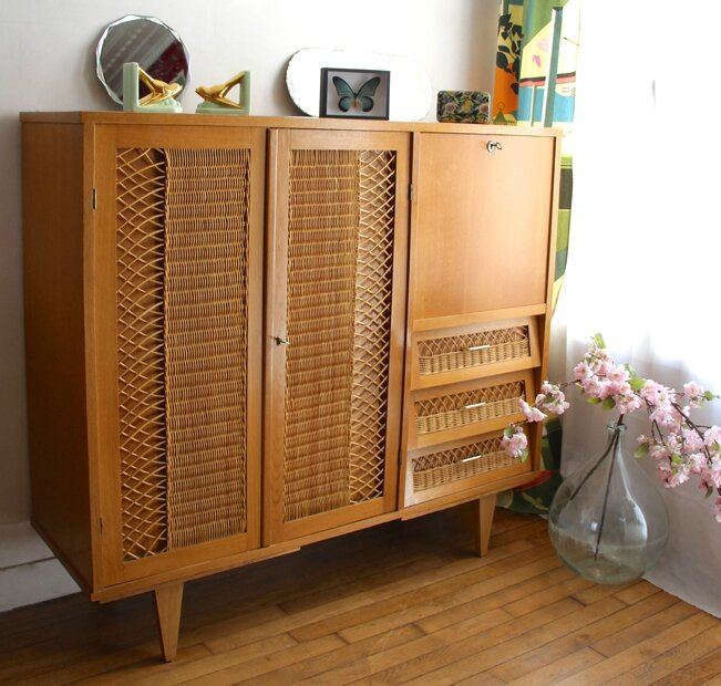 armoire-commode-en-rotin-vintage