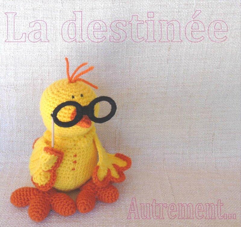gros-poussin-jaune-crochet-destinee